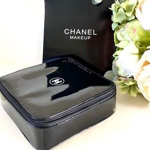 CHANEL makeup case ✨ New In Box